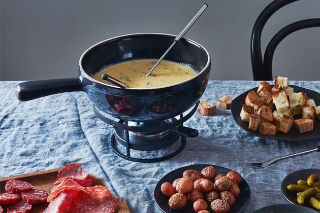 Sýrový fondue set Charcoal  od značky Emile Henry