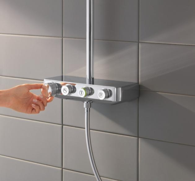 Nástěnný sprchový systém Euphoria SmartControl (Grohe), úsporný omezovač teploty vody, průtok 7 l/min, cena 35 610 Kč, www.grohe.cz