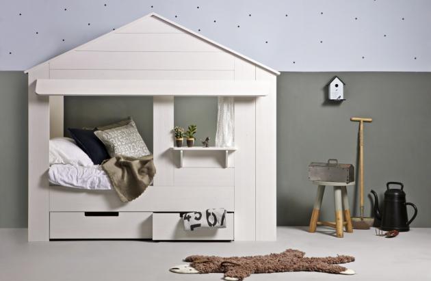 Domeček na spaní v dětském pokoji