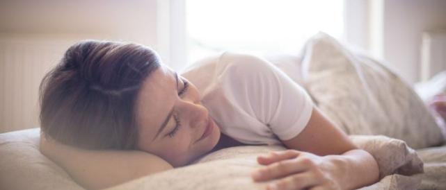 Jak babské rady na hubnutí říkají spánek je velmi důležitý